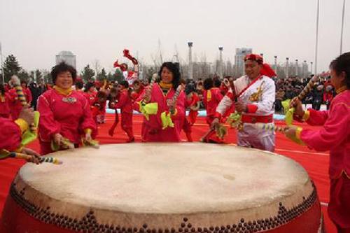 河间大鼓演奏风格独树一帜,鼓谱丰富,是我国民族音乐中的奇葩,